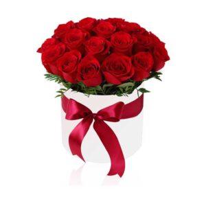 flowerbox biały z różami